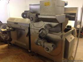 Oliomio 120, 2000 model - Secondhand olive oil processing machine - side view. Malaxing unit and decanter unit plug together